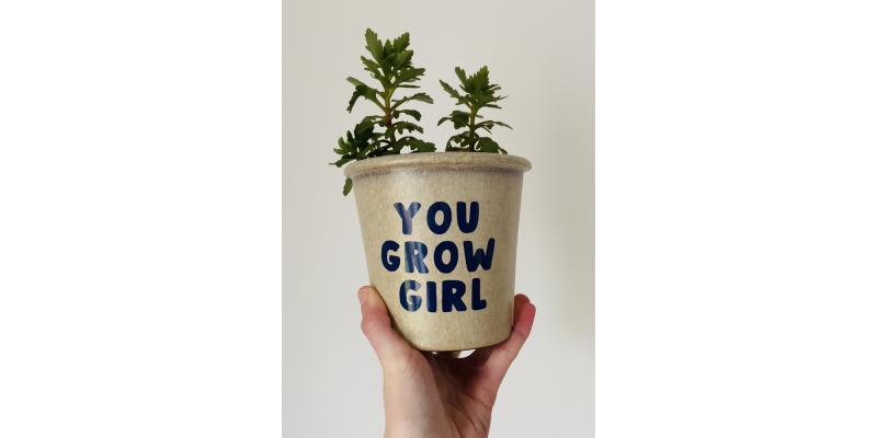 DIY Plant Pot slogan using HappyVinyl